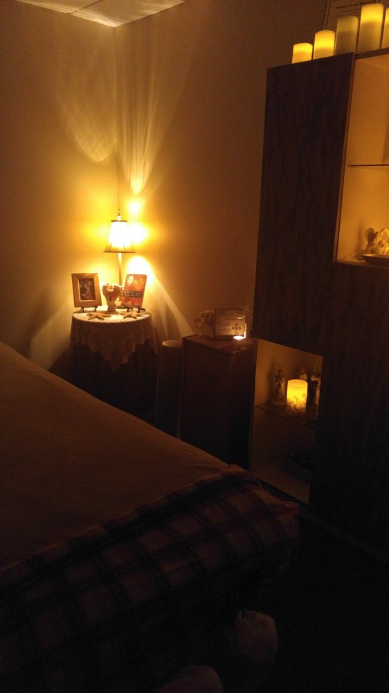 Donna's Heavenly Massage: 6043 Hudson Rd, Woodbury, MN