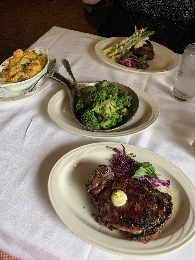Charley's Steak House: 4444 West Cypress Street, Tampa, FL