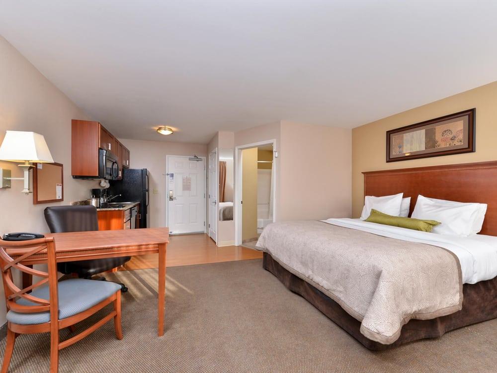 Candlewood Suites Williston: 3716 6th Ave W, Williston, ND