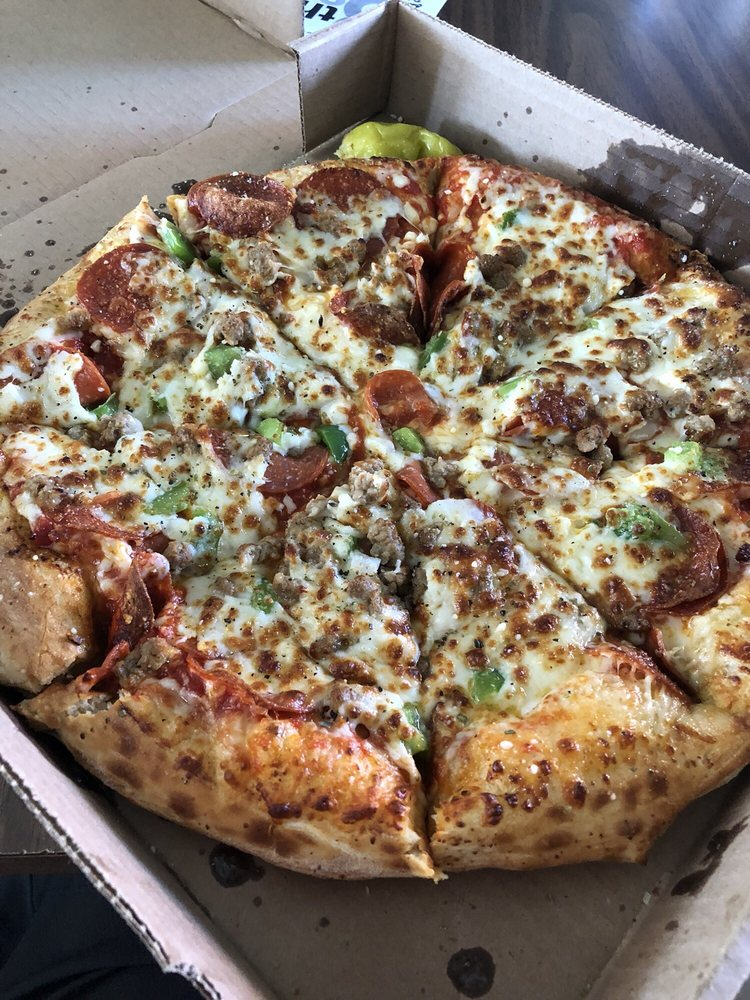 Food from 8th Street Pizza