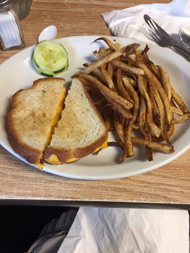 Branding Iron Cafe: 307 3rd Ave SW, White Sulphur Springs, MT