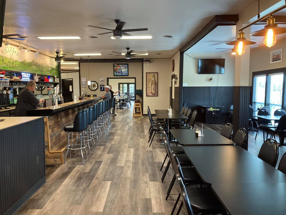 Baneberry Golf & Resort: 704 Harrison Ferry Rd, Baneberry, TN