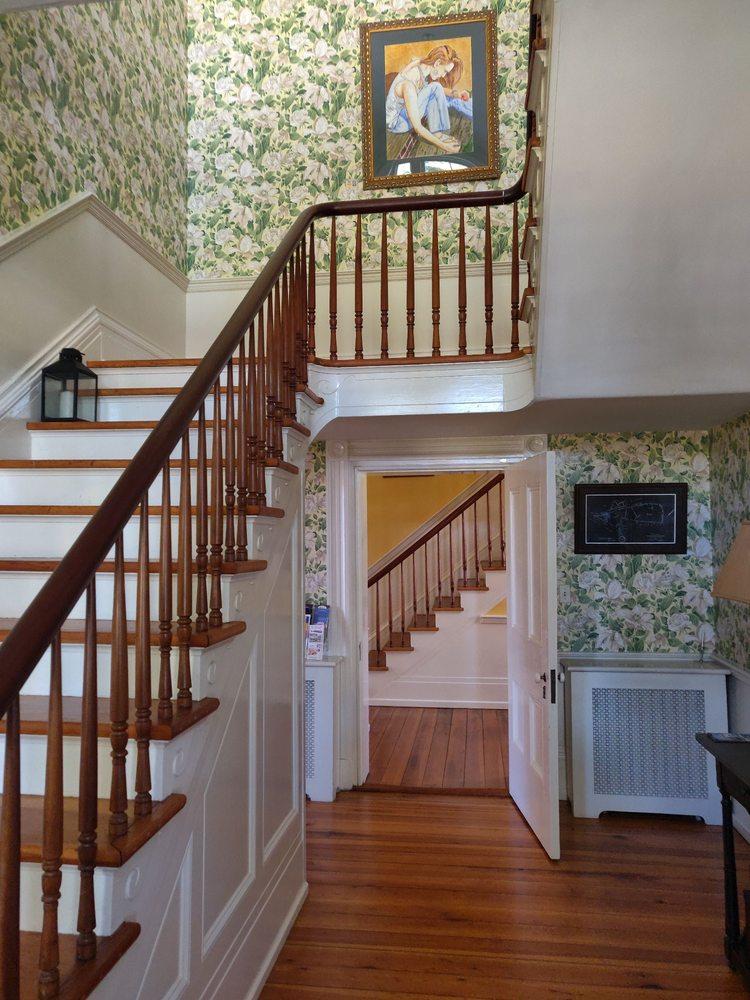 Early Inn at the Grove: 50 Floyd Ave, Rocky Mount, VA