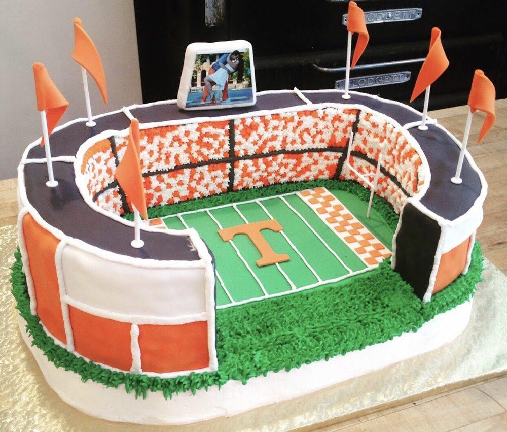 Amazing Bakes Cookies & Cakes: 611 Queen Ave, Harriman, TN