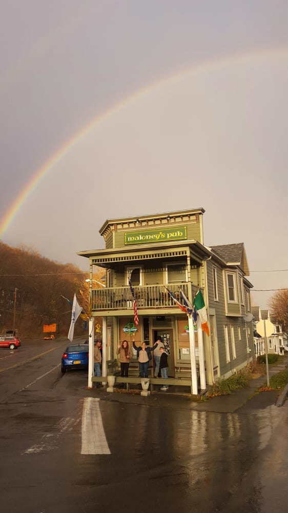 Maloney's Pub: 57 Pulteney St, Hammondsport, NY