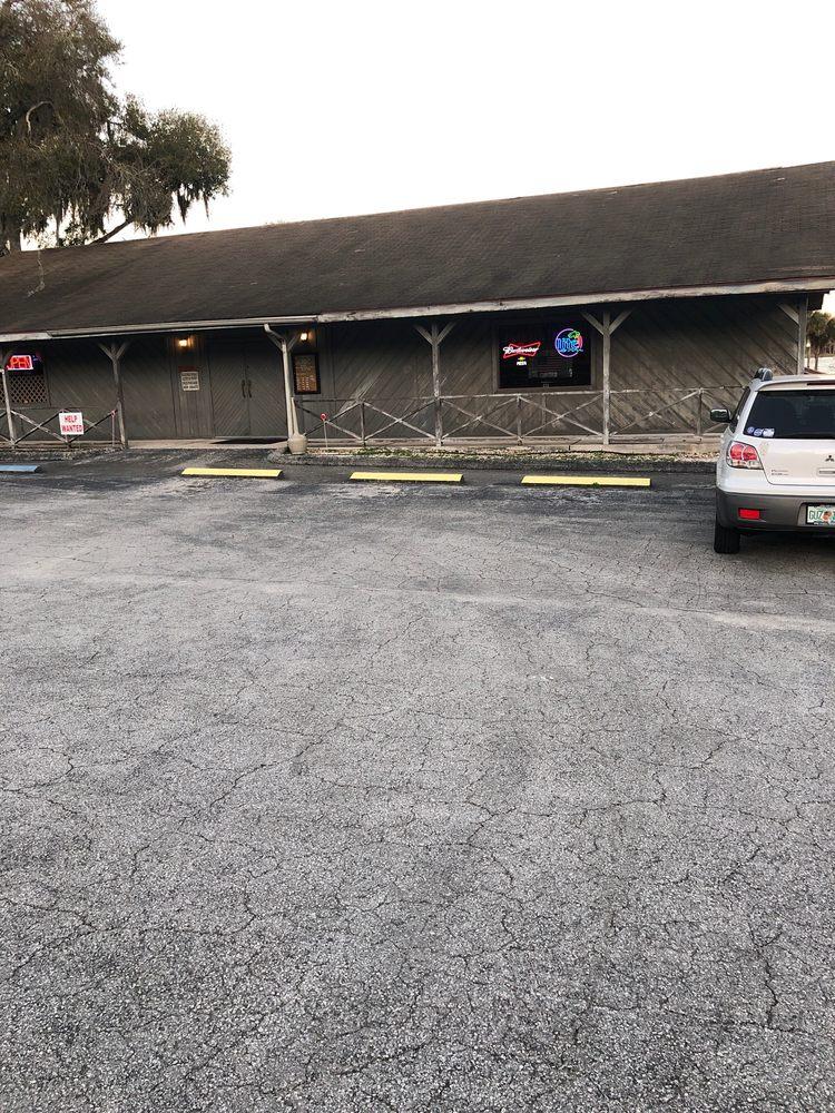 Armante's Restaurant: 5813 N Carl G Rose Hwy, Hernando, FL