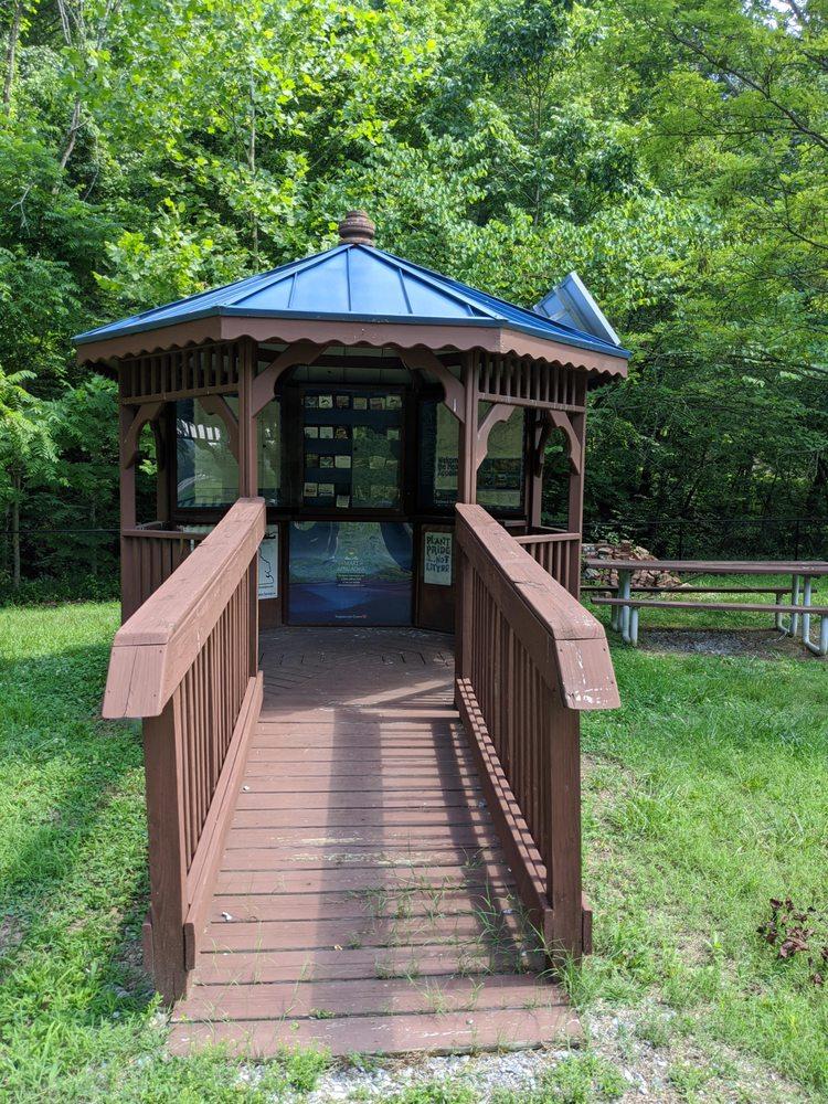 Love Park: 3952 US-23, Gate City, VA
