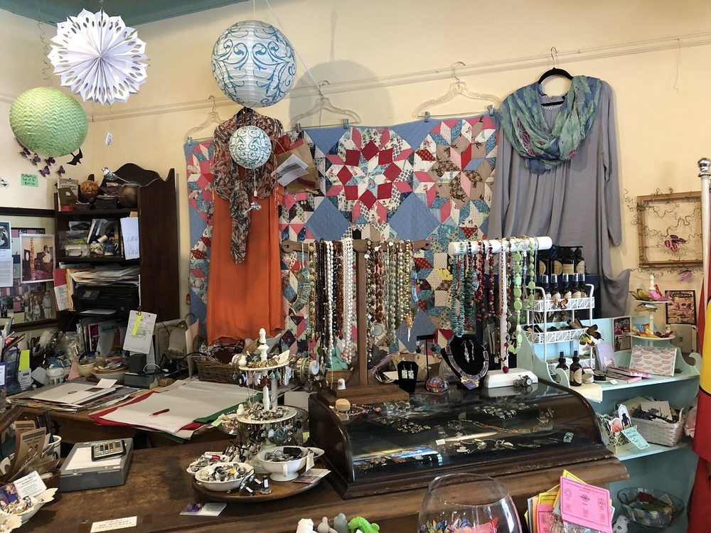 Willow Road Market: 1126 Willow Rd, Hendersonville, NC