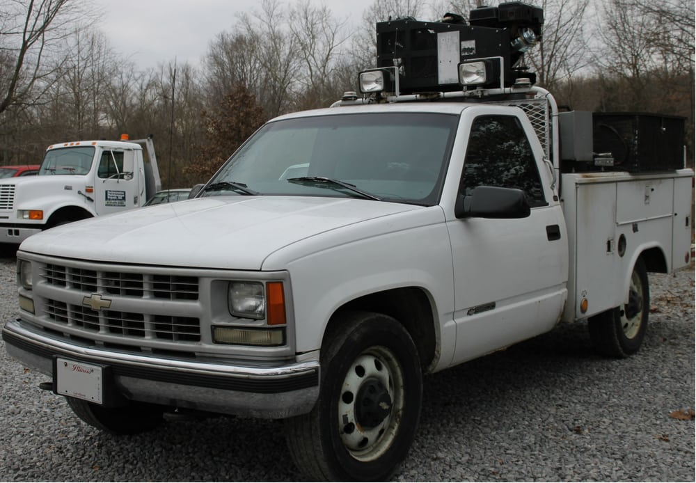 Towing business in East Eldorado, IL