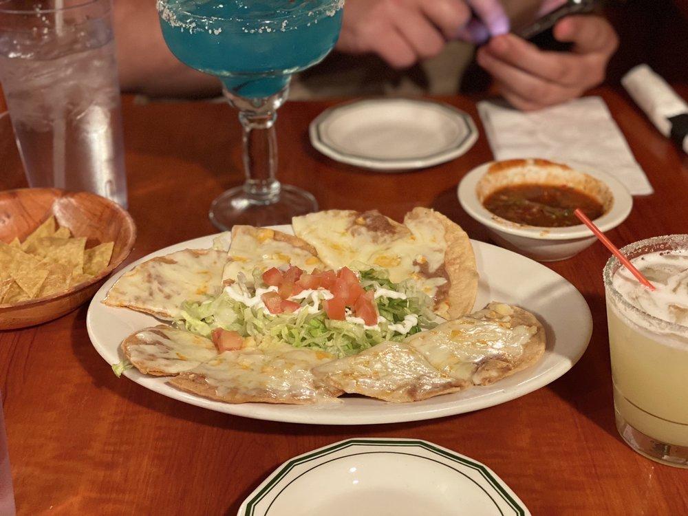 La Esperanza Restaurant & Bar: 40 E Gibbsboro Rd, Lindenwold, NJ