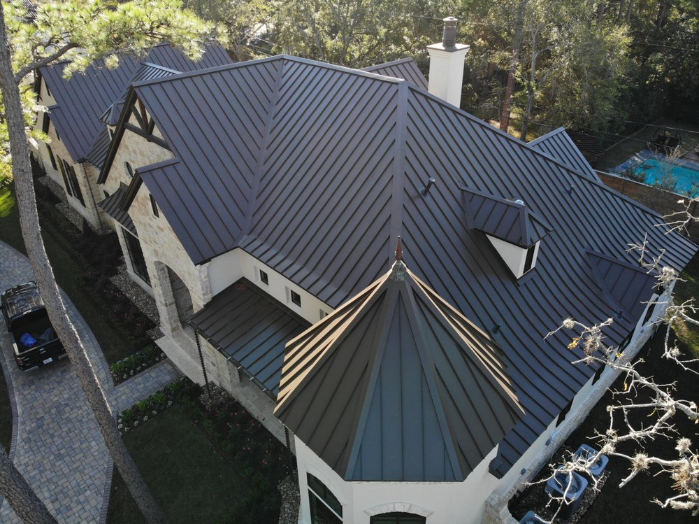 Houser Roofing: 201 2nd St, Sealy, TX