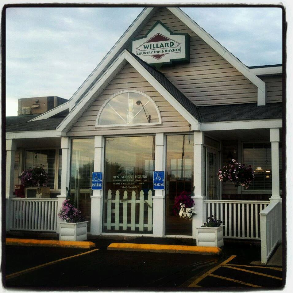 Willard Country Kitchen: 429 E Walton St, Willard, OH
