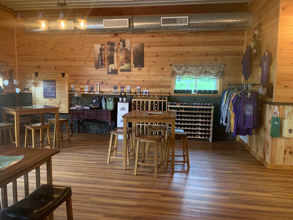 Middleburgh Winery: 2636 NY-145, Middleburgh, NY