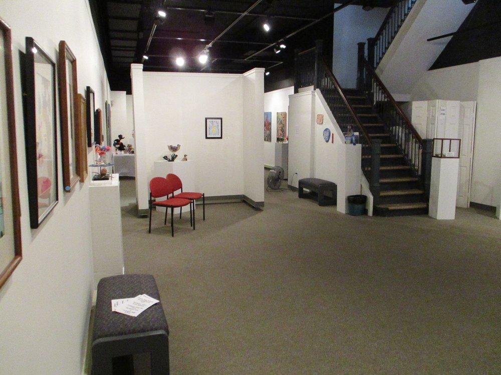 Alleghany Highlands Arts & Crafts Center: 439 E Ridgeway St, Clifton Forge, VA
