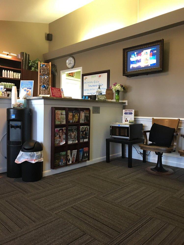 Wolschlager Chiropractic Health Center: 1408 S Main St, Algonquin, IL