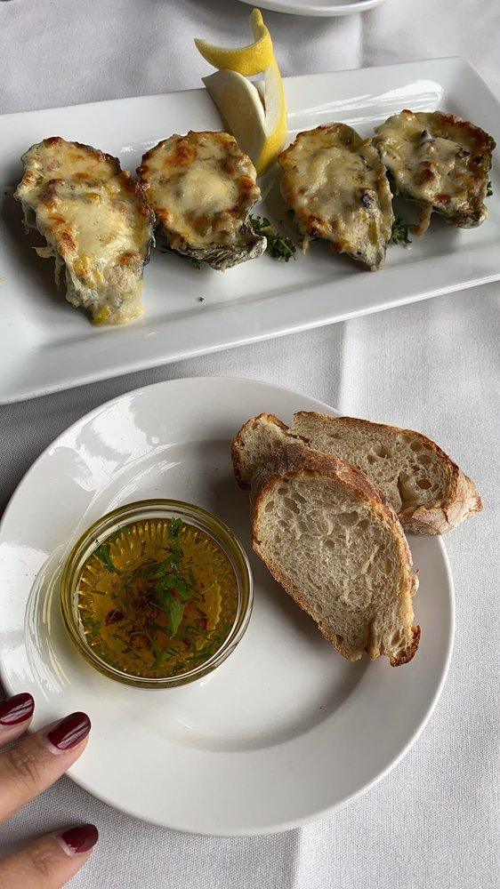 The Oyster & Thistle Restaurant and Pub: 205 E Washington St, La Conner, WA