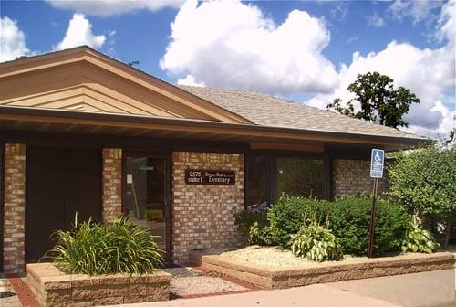 Bates Dental Care: 2575 Hamline Ave N, Roseville, MN