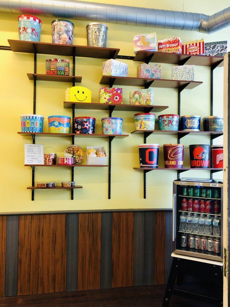 Poppin Around Gourmet Popcorn: 5491 Liberty Ave, Vermilion, OH