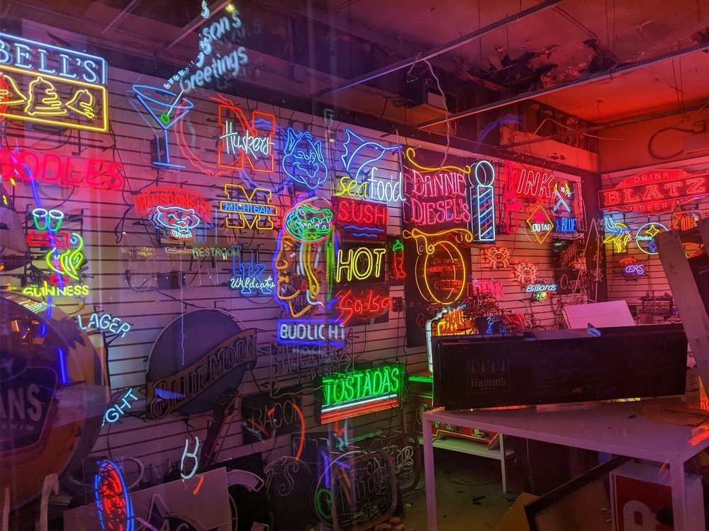 The Neon Shop Fishtail