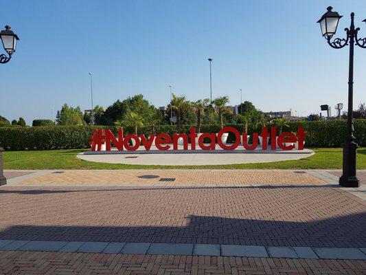 official photos c02f9 d0532 Noventa di Piave Designer Outlet - Outlet Stores - Via Marco ...