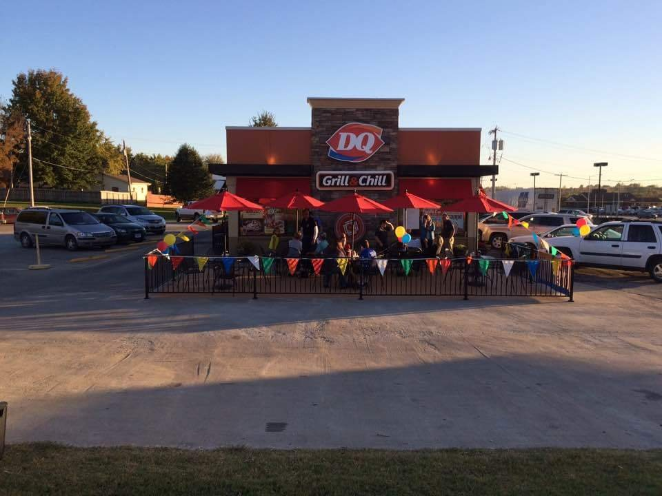 Dairy Queen Grill & Chill: 915 W 4th Ave, Holton, KS