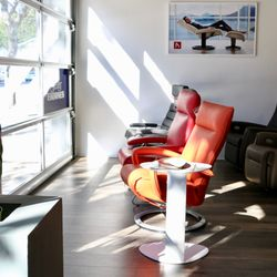 Recliners La 22 Photos Furniture Stores 914 S Olive St