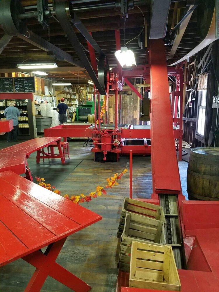 Clinton Cider Mill: 28 Elm St, Clinton, NY