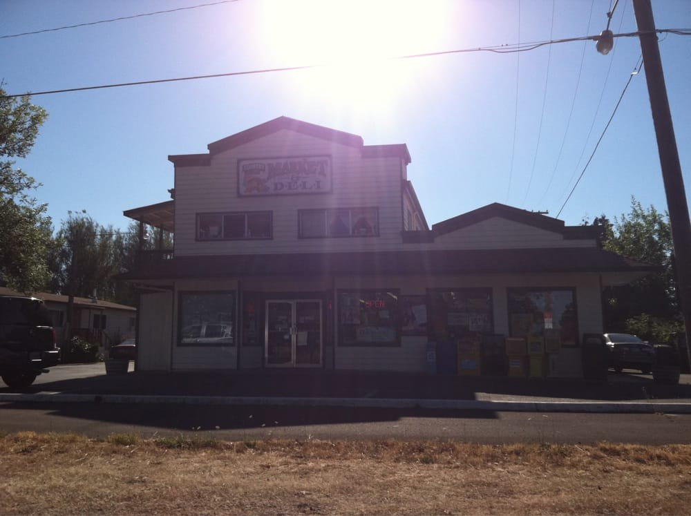 Country Market & Deli: 310 NW 53rd St, Corvallis, OR