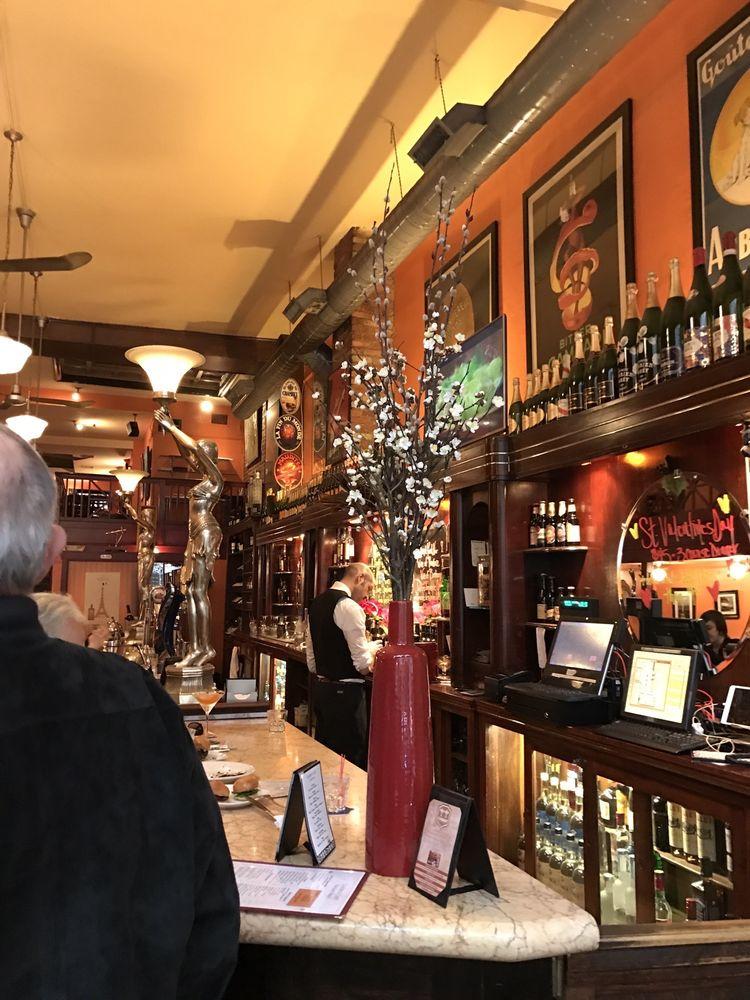 Restaurants Near  Walnut St Philadelphia