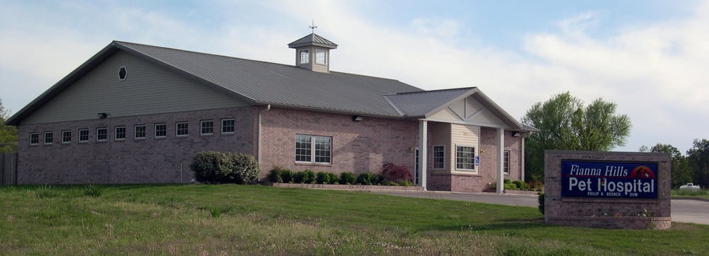 Fianna Hills Pet Hospital: 2210 Fianna Oaks Dr, Fort Smith, AR