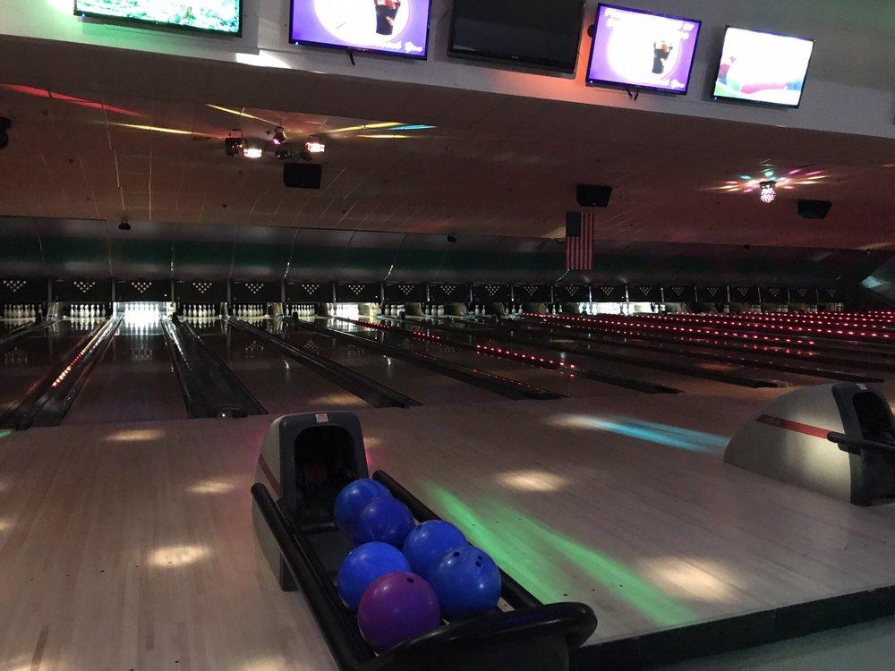 Brattleboro Bowl: 865 Putney Rd, Brattleboro, VT