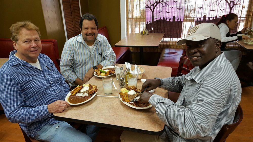La Casona Colombian Restaurant: 3820 Stewart Rd, Atlanta, GA