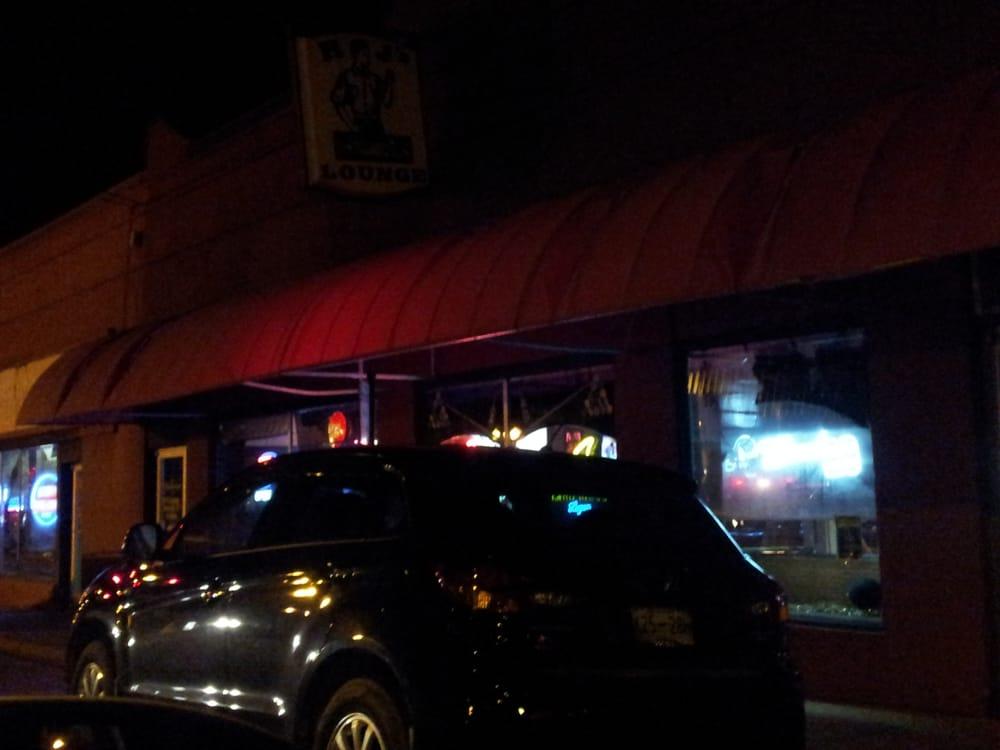 R J Lounge & Billards: 103 S Brewer St, Paris, TN
