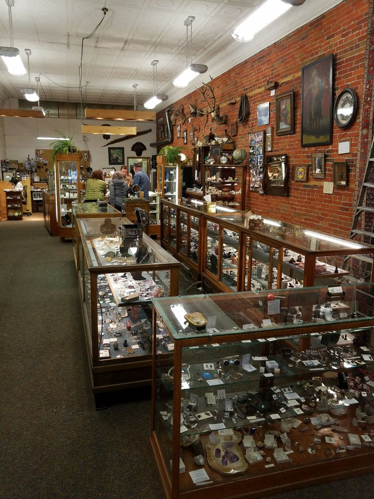 Gem State Crystals: 404 S Main St, Moscow, ID