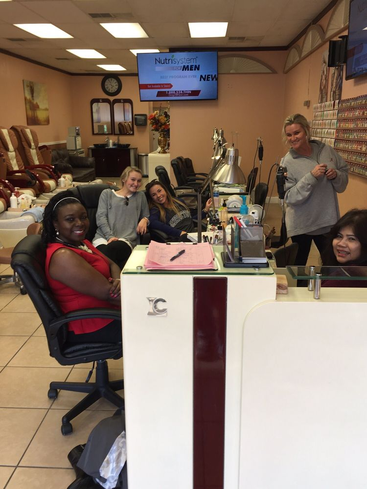 Mele Nails: 728 McFarland Blvd, Northport, AL