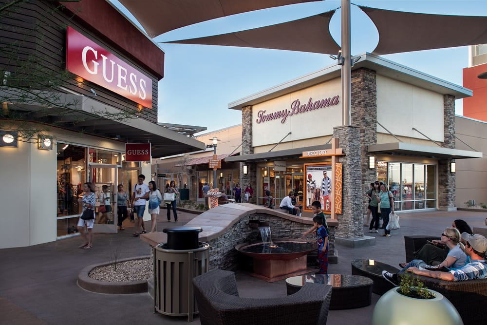 Phoenix Premium Outlets® serves the nearby communities of Chandler, Tempe, Mesa, Gilbert, and Phoenix. Also while visiting, we have even more choices in stores at our sister centers: Arizona Mills® located approximately 9 miles NW and Tucson Premium Outlets® located 85 miles SE.4/4().