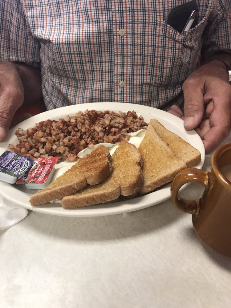 Country Café on Main: 125 W Madison Ave, Grantsburg, WI