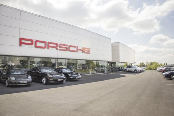 Centre porsche lille concessionari auto 31 rue bossuet for Garage auto villeneuve d ascq