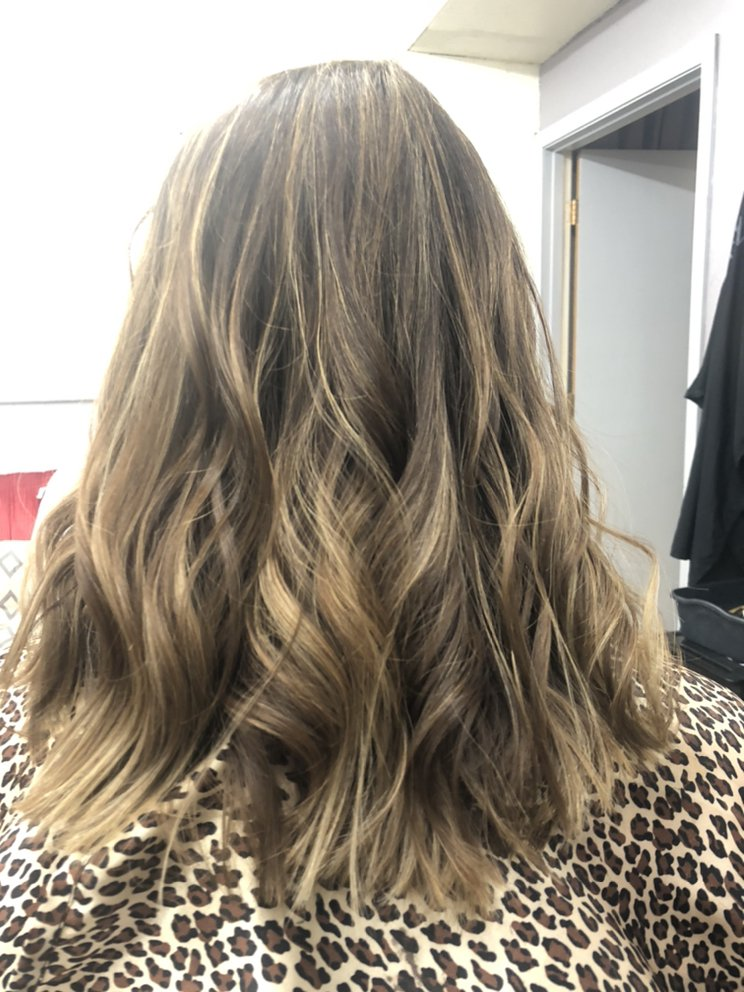 studio 181 salon and boutique: 181 East Commercial St, Weiser, ID
