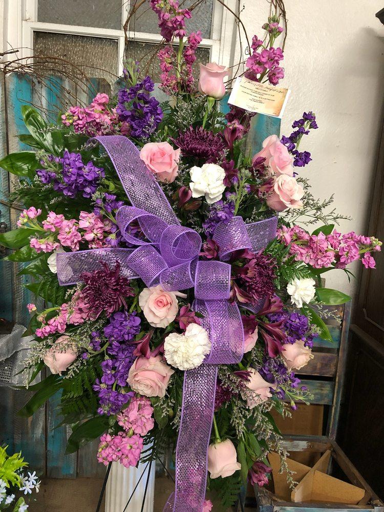 Irma's Flowers & Gifts: 111 E Mulberry St, Amite, LA