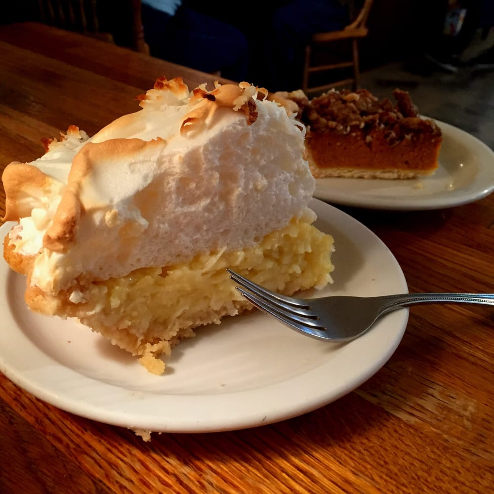 The Pie Bird Cafe: 5512 US Hwy 61, Jackson, MO