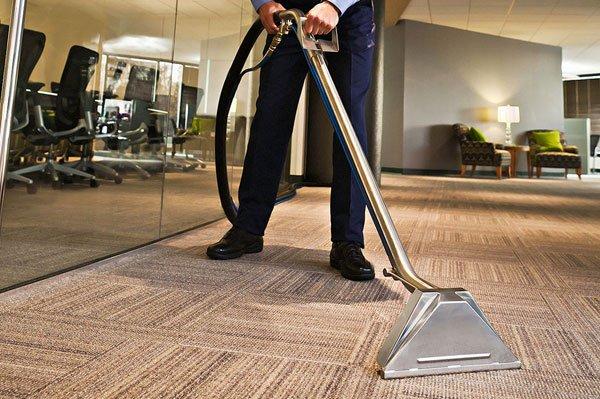 Neighborhood Carpet Cleaning: Pleasant Valley, MO