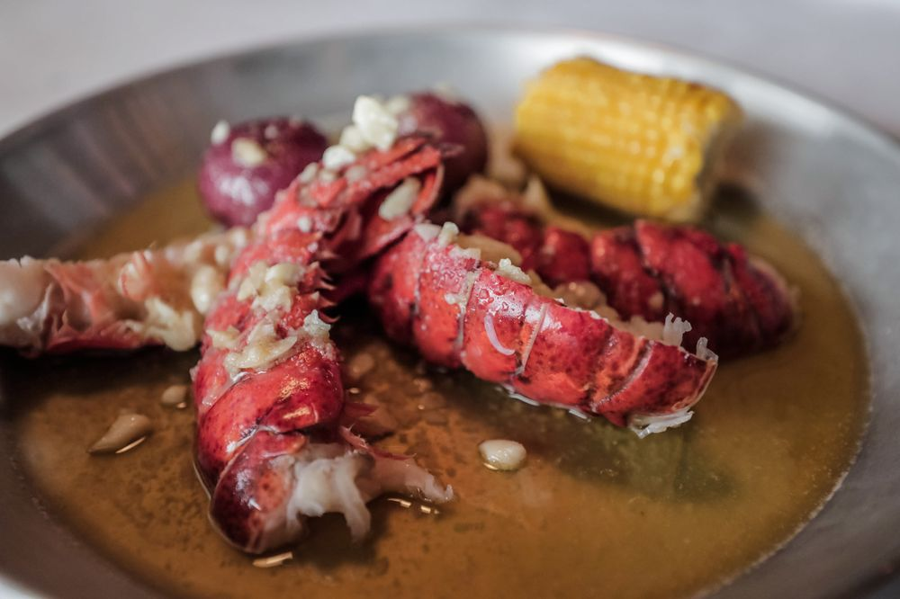 Hook & Reel Cajun Seafood & Bar: 50 Bayonne Crossing Way, Bayonne, NJ