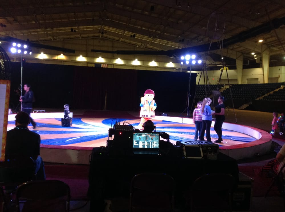 Garden Brothers Circus 14 Photos 36 Reviews Theatres Washington Dc United States Yelp