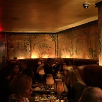 Bemelmans bar 105 photos 245 reviews bars 35 e for Bemelmans bar mural