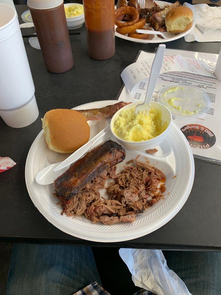 Pit Stop BBQ & Burgers: 501 W Jackson St, Hugo, OK