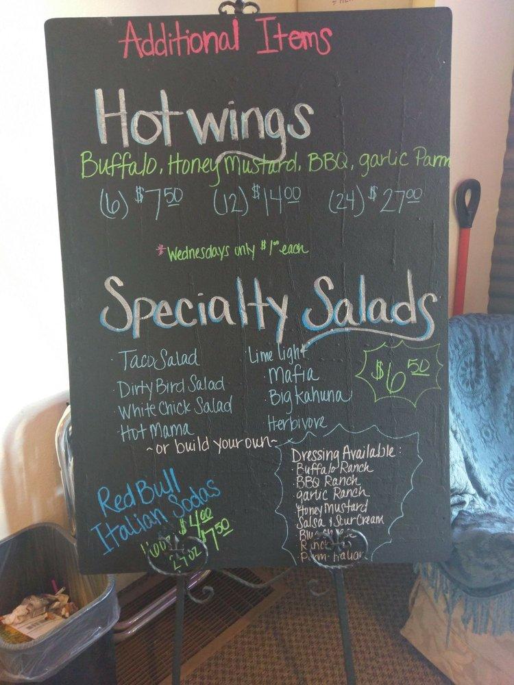 Whole in the Wall Pizza: 522 S Whitman Ave, Rosalia, WA