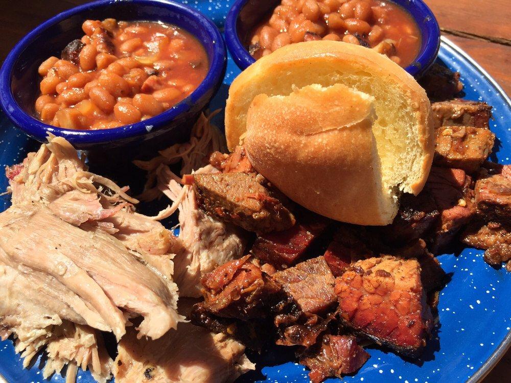 Follow Yer Nose BBQ: 4 Overlook Rd, Emigrant, MT