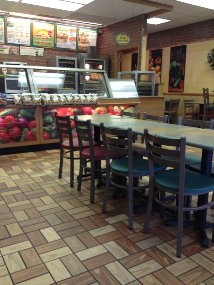Subway: 42 N 17th Ave, Beech Grove, IN