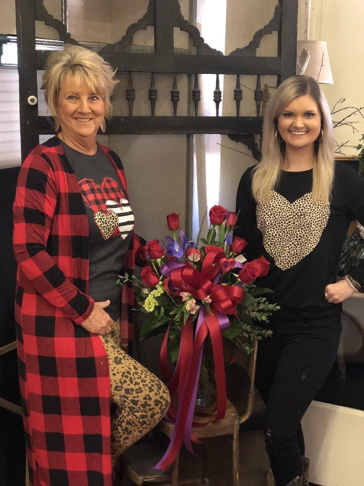 Avenue Floral & Design, LLC: 328 Virginia Ave, Clarksville, VA